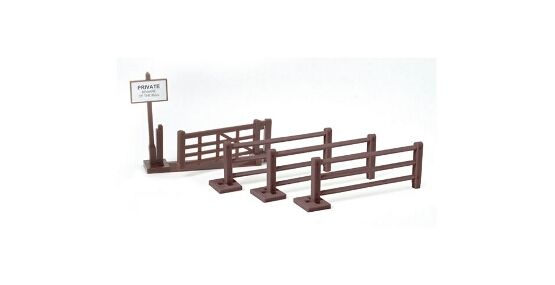 Britains Farm Gate And Fencing Toy